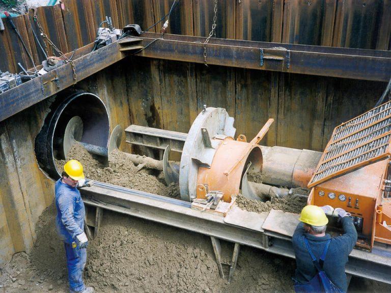 Stahlrohrbohrung